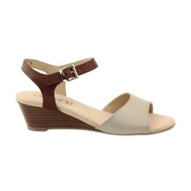 Caprice kvinnors lädersandaler 28213 brun