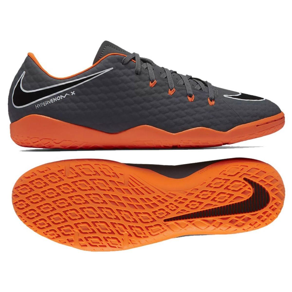 Nike Hypervenom : Detta är en Nike skoaffär.
