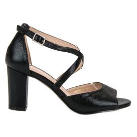 Svarta sandaler på UPP VINCEZA
