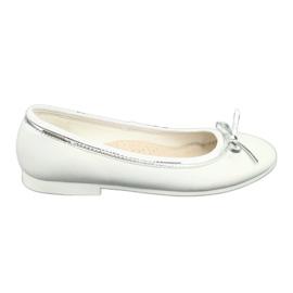 Ballerinas med en båge, vit pärla American Club GC29 / 19 flerfärgad