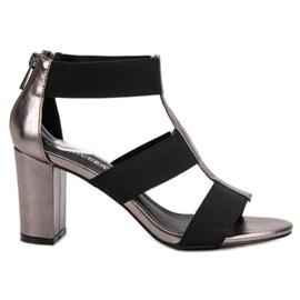 Trendiga sandaler på UPP VINCEZA grå