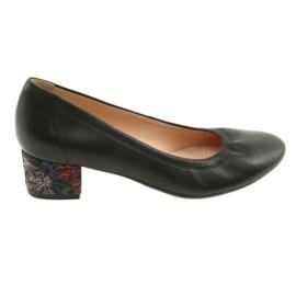 Pumps kvinnors läderskor Arka 5627 svart