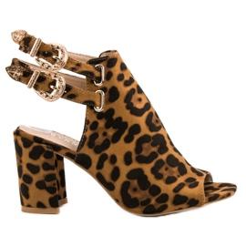 Erynn brun Eleganta byggda sandaler