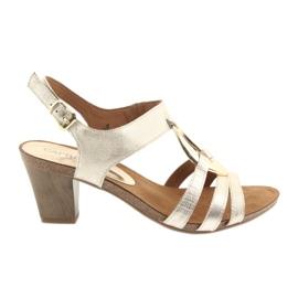 Caprice kvinnors sandaler med utsmyckning 28308 guld ovalt