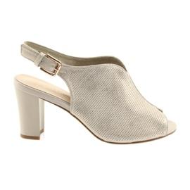 Sandaler på stolpen av Sergio Leone 812