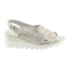 Guld kvinnors sandaler på Filippo 729 kilhälge