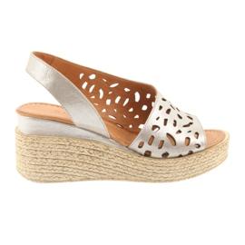 Sandaler på kil Badura 4722 cappuccino brun