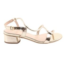 Sandaler guld på klackar Edeo 3386