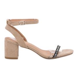 Ideal Shoes brun Snygga Suede Sandaler