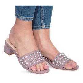 Lila Violetta flip-flops med statliga höga klackar