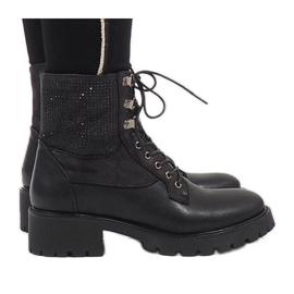 Ideal Shoes Svarta spetsstrumpor med paljetter 1621
