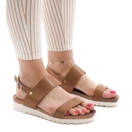 Brun Kamel platta sandaler med spänne CZTZ-2K122-4