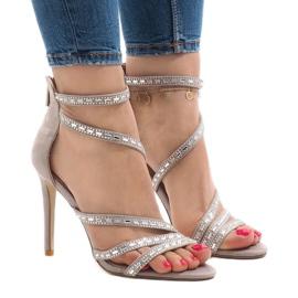 Brun Gråa sandaler på 9081-9-hälen