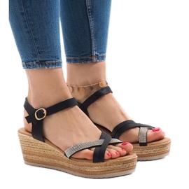 Svarta sandaler på WS8816 plattformen