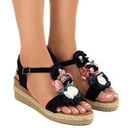 Svart kil sandaler med blommor 218-168