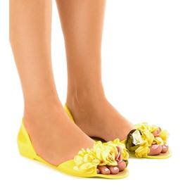 Gula meliski sandaler med AE20 blommor