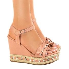 Rosa sandaler på kilkulor 2445