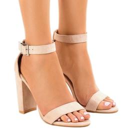 Brun Beige sandaler på stolpen med spänne 369-18