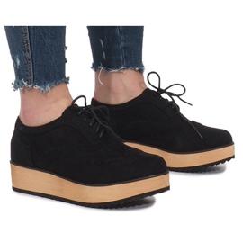 Svarta skor på Danielle Platform