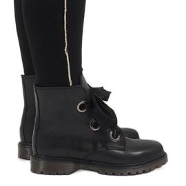 Kayla Shoes Svarta spetsstövlar PF276
