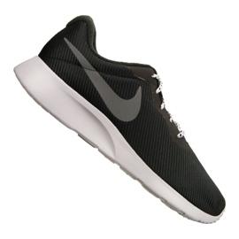 Nike Tanjun Se M AR1941-005 skor svart