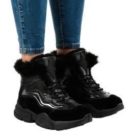 Isolerade svarta sneakers LS-2062
