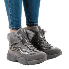 Isolerade grå sneakers LS-2062