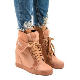 Rosa sneakers med snörningskilar B12-22
