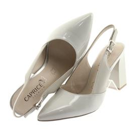 Kvinnors sandaler på stolpen Caprice 29604 grå 6