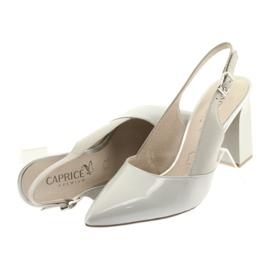 Kvinnors sandaler på stolpen Caprice 29604 grå 5