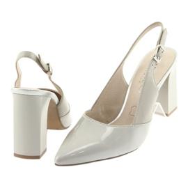 Kvinnors sandaler på stolpen Caprice 29604 grå 4