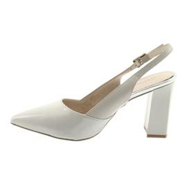 Kvinnors sandaler på stolpen Caprice 29604 grå 2
