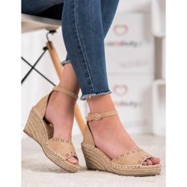 Evento Sandaler med ett genombrutet mönster brun 4