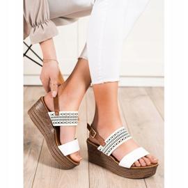 S. BARSKI Vita sandaler på kil S.BARSKI brun 3