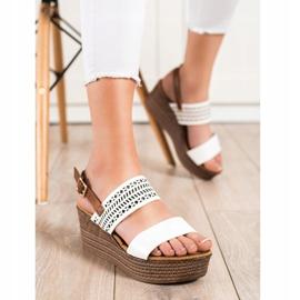 S. BARSKI Vita sandaler på kil S.BARSKI brun 2
