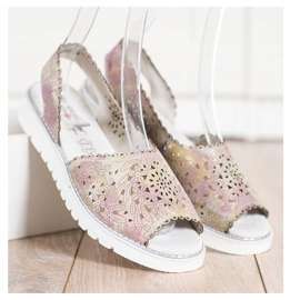 SHELOVET Bekväma lädersandaler beige rosa guld 2
